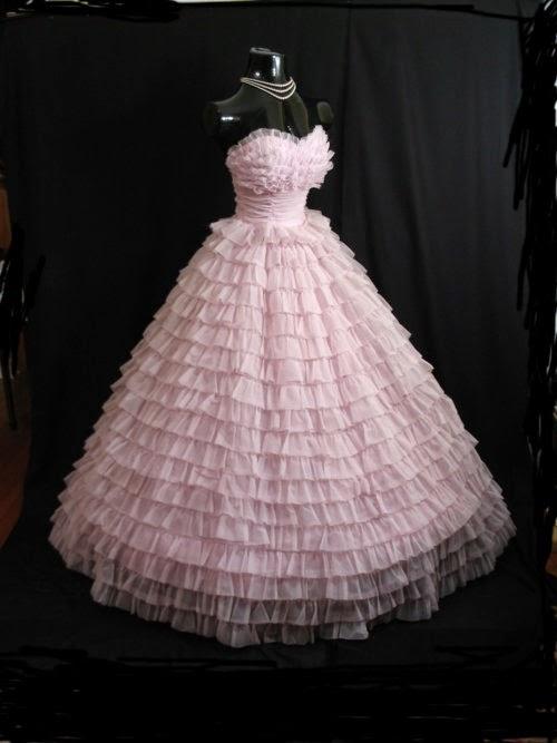 Sahsassy: The 50\'s vintage lace dress.