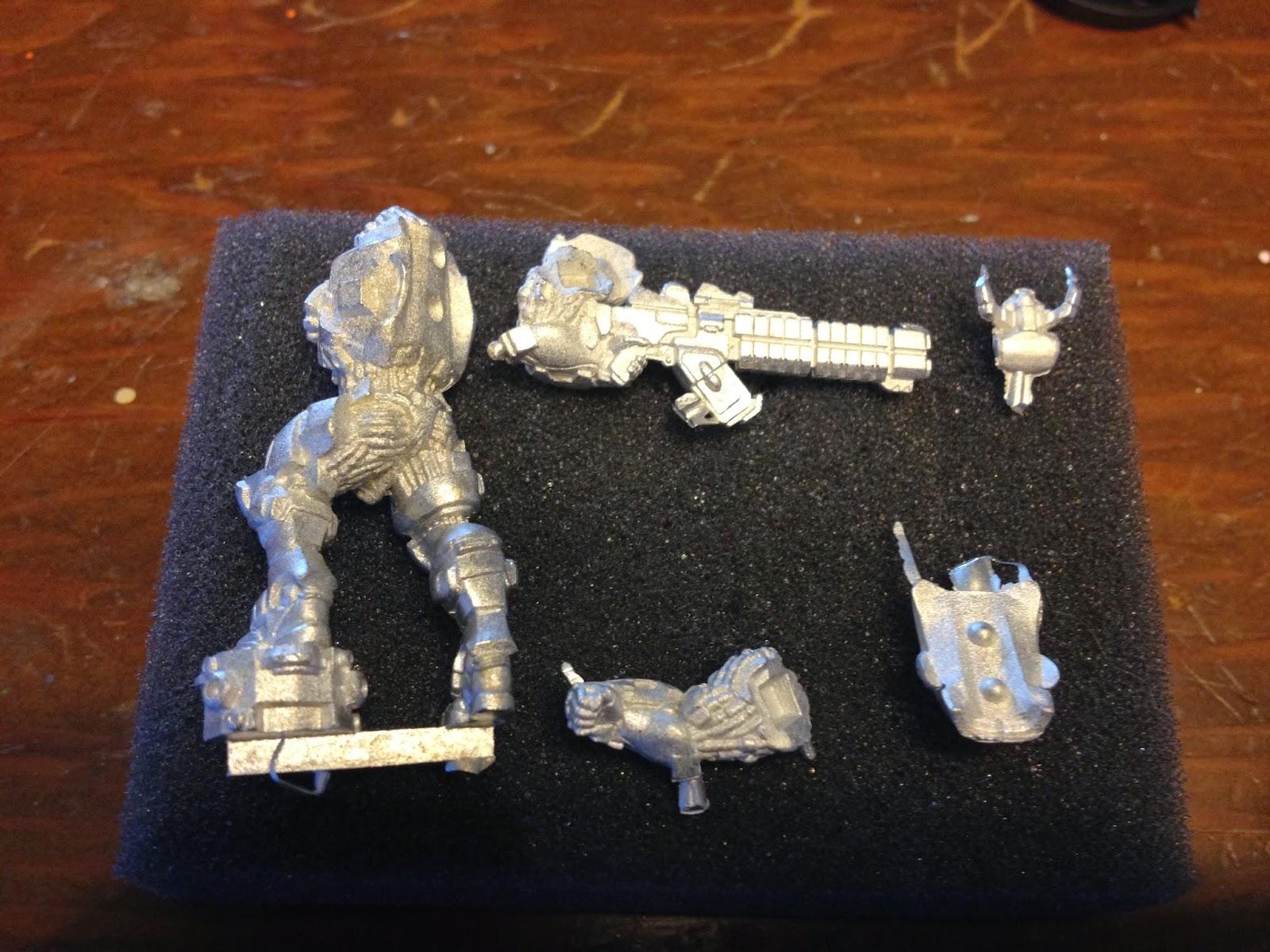 Procura-se miniaturas para serem cobaias de pintura Suryat2