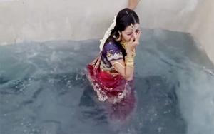 Actress Vedhika's accident scene in sringaravelan