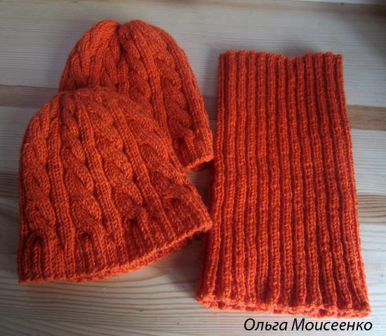 детская и женская шапочки в одном стиле