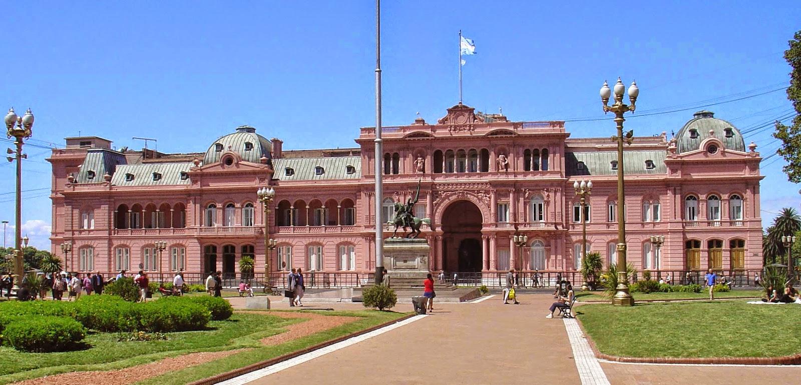 Conociendo argentina buenos aires la casa rosada parte i for Casa jardin hostel buenos aires