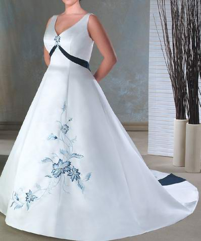 Tattoo today39s plus size wedding dress designer for Plus size designer wedding dresses