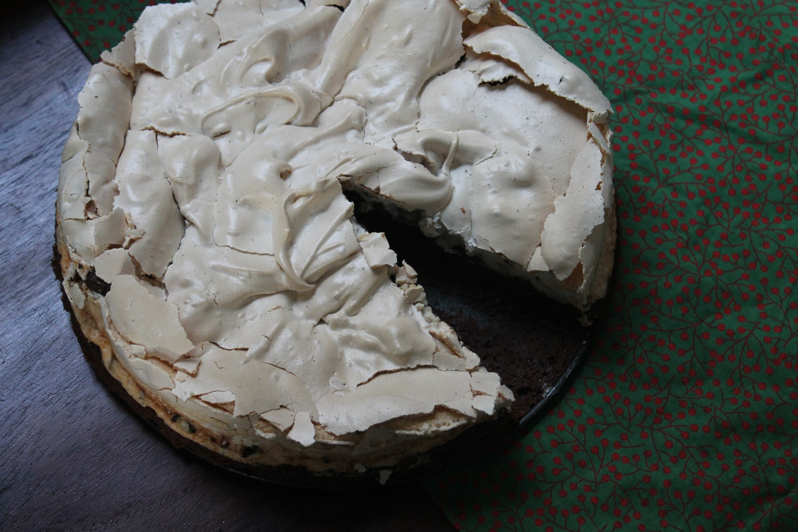 Cookin' & Craftin': Peppermint Meringue Brownie Cake