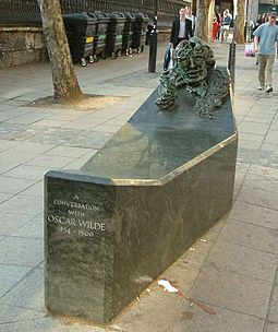 'A Conversation with Oscar Wilde' – a civic monument to Wilde by Maggi Hambling, on Adelaide Street, near Trafalgar Square, London