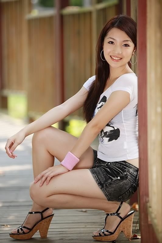 Chinese Girls hotted, Asian girls bikini photo, Chinese Actress sexy photo