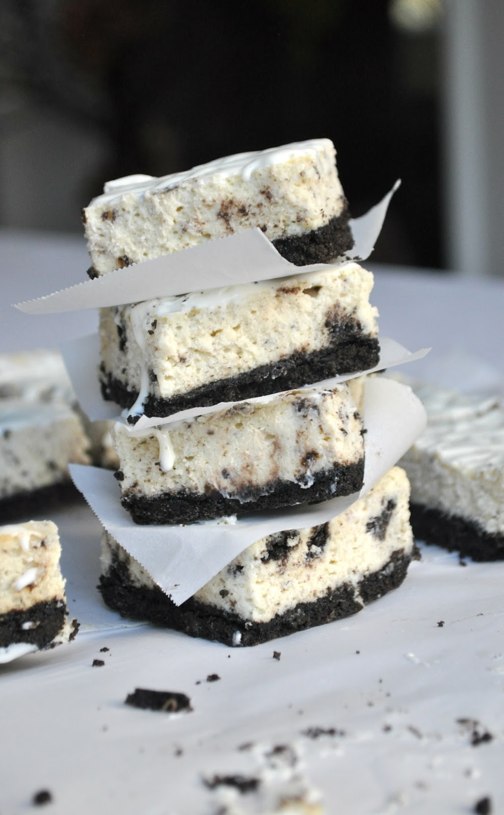 white chocolate oreo cheesecake bars | Chow Creations