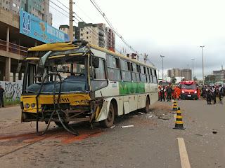Acidente na EPTG com dois ônibus deixa pelo menos 50 feridos