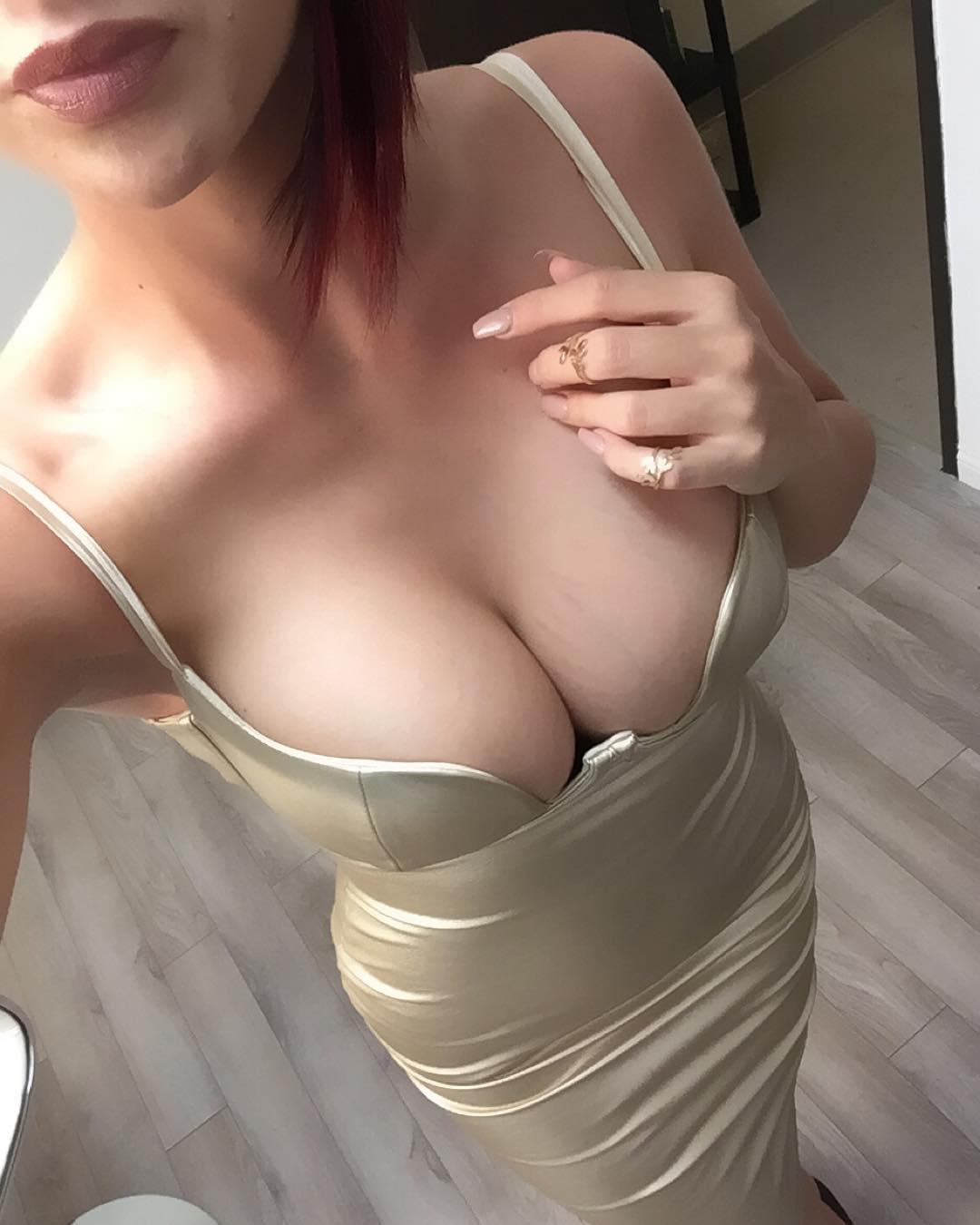 mature woman nude sexy ass