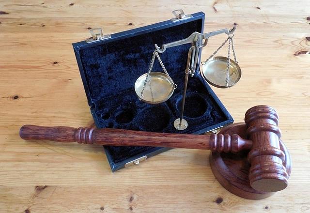 Pengertian Arti Hukum Bisnis ( Definisi )