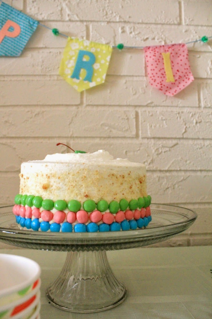 Dress up a store-bought cake with jellybeans for easy Easter entertaining! #EasterEssentials #ad