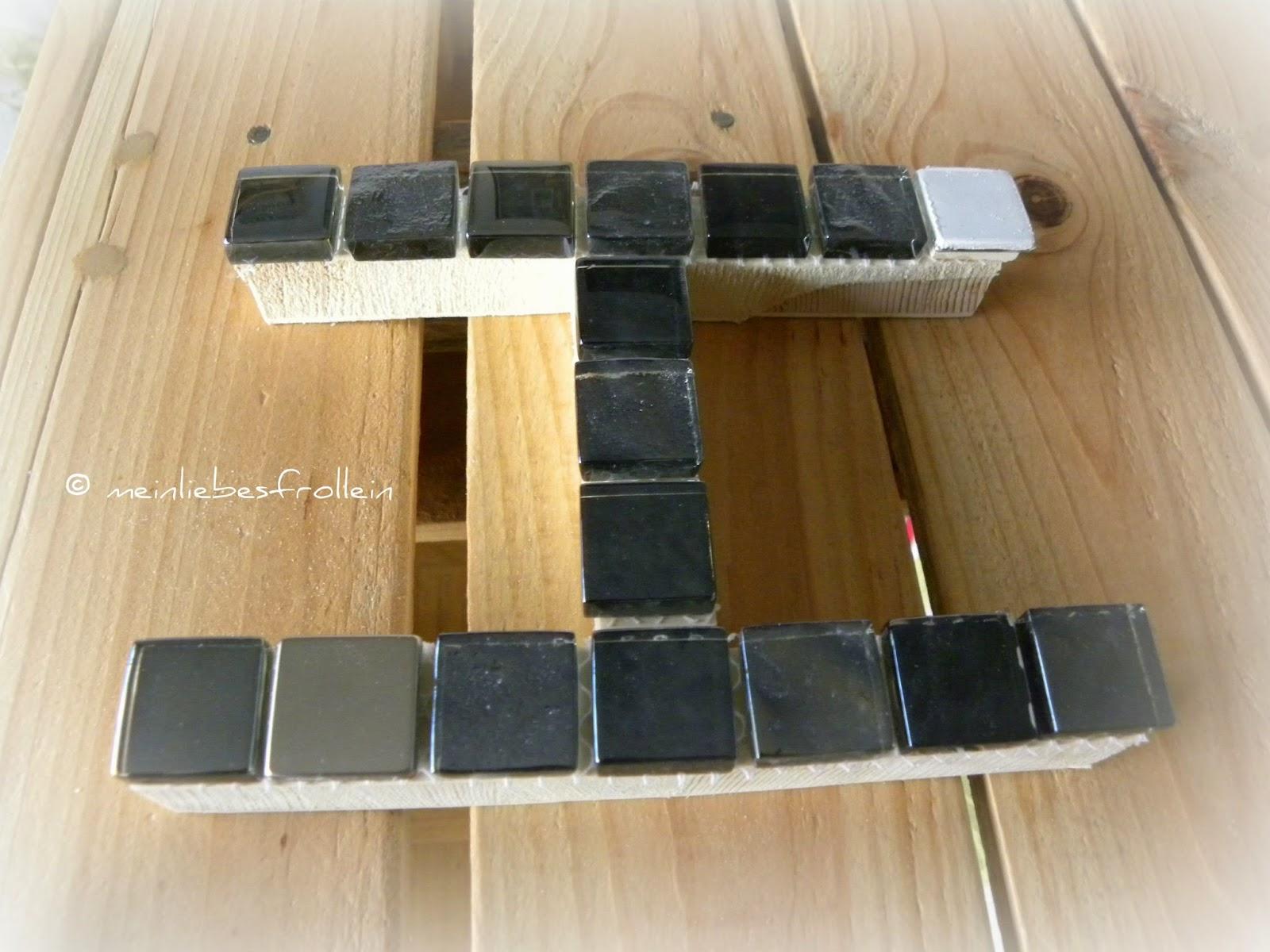 mein liebes frollein dekobuchstabe mit mosaiksteinen. Black Bedroom Furniture Sets. Home Design Ideas