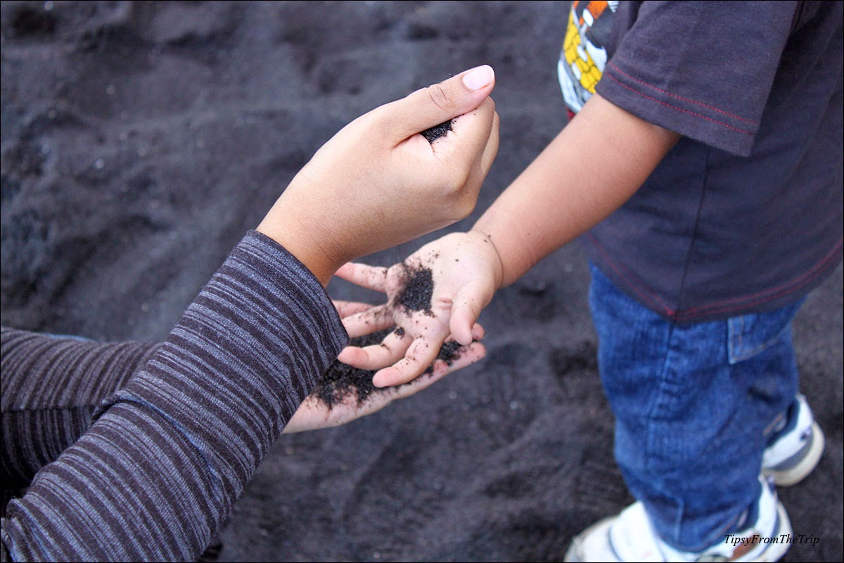 Picking up Black Sand, travelling with kids