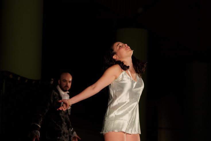 Teatro alk zar plasencia teatro el amor de don for Amor de don perlimplin con belisa en su jardin