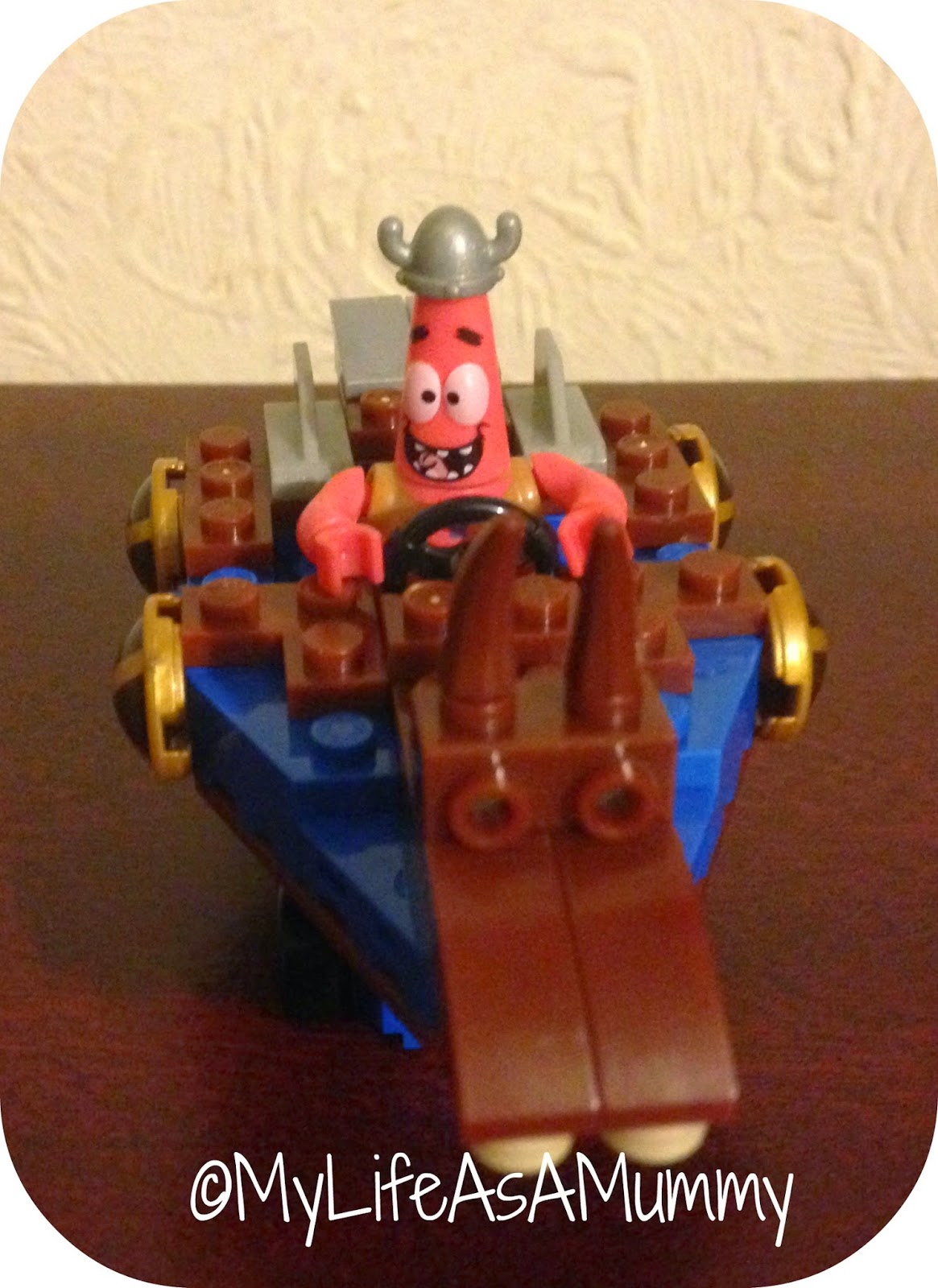 SpongeBob SquarePants Boat Racer