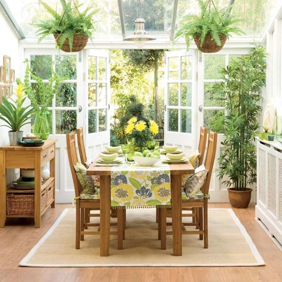 Cottage tropical home decorating ideas for Conservatory dining room design ideas