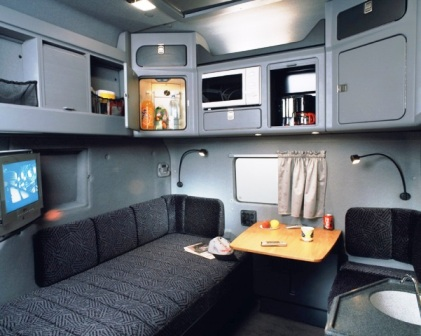 the truck news interior cabina de camiones tuneaos. Black Bedroom Furniture Sets. Home Design Ideas
