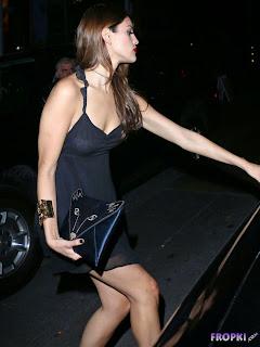 Eiza Gonzalez Out in West Hollywood 5.jpg