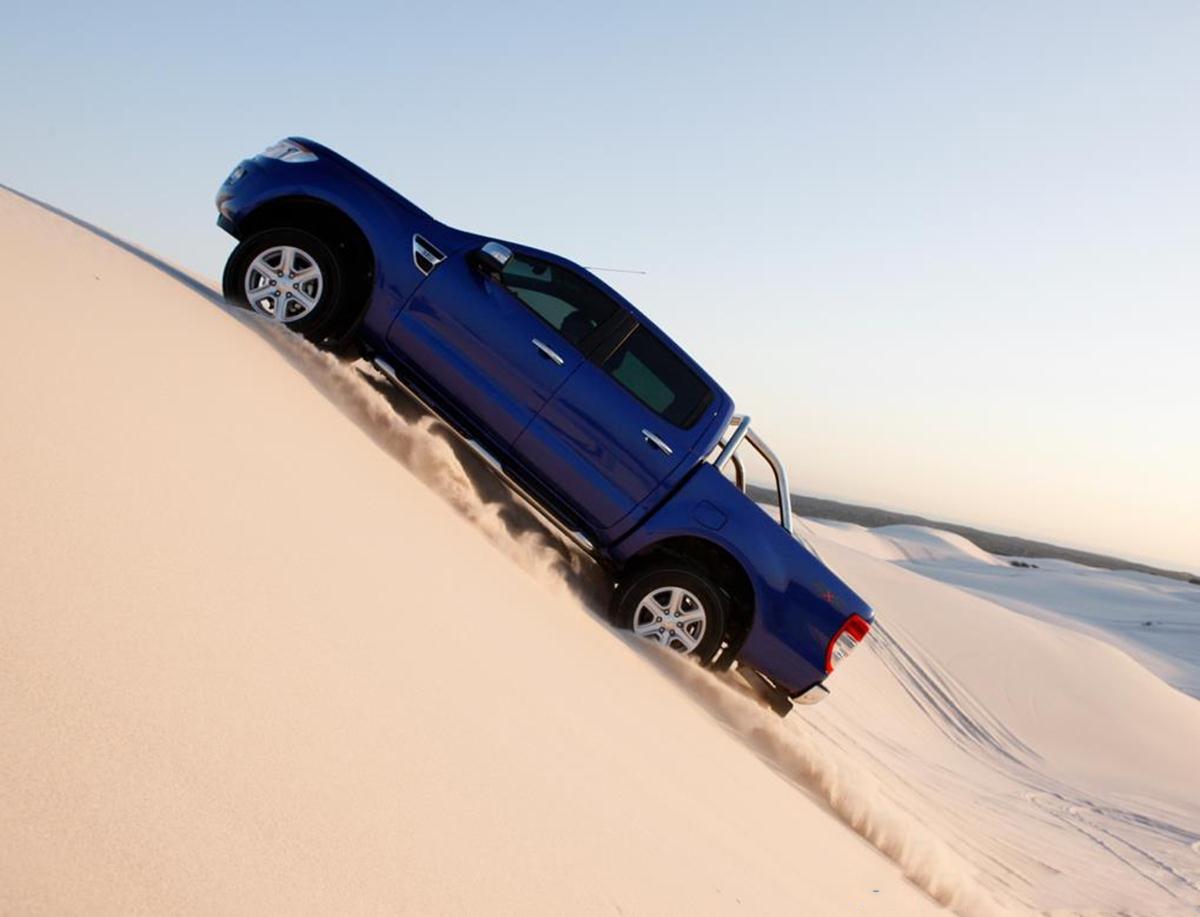 car i Ford Ranger 2013 Cabine Dupla