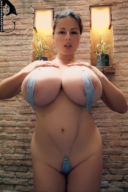 allahabad girl showing boobs pictures