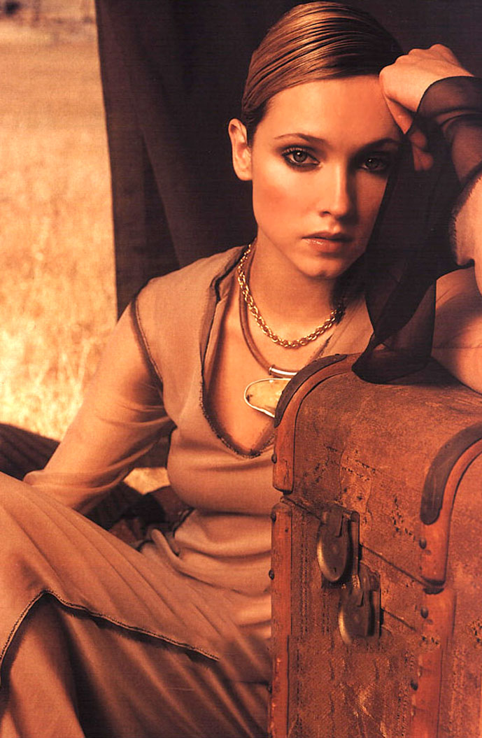 Alexandra Egorova Elle Italia 2001 via fashioned by love