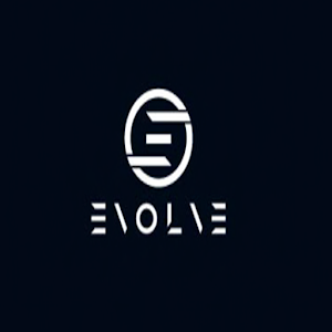 Evolve Live Model & Blogger