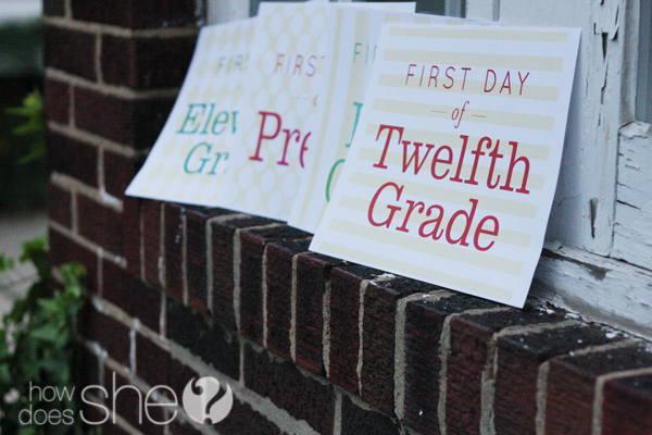Back to School: First Day Photo Signs! {Free Printable}