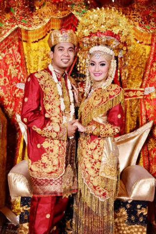 Putri Wedding: Pengantin Adat Padang