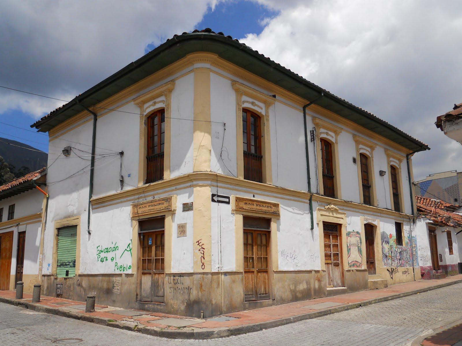 Bogot en bogot d a 820 for Casas griegas antiguas
