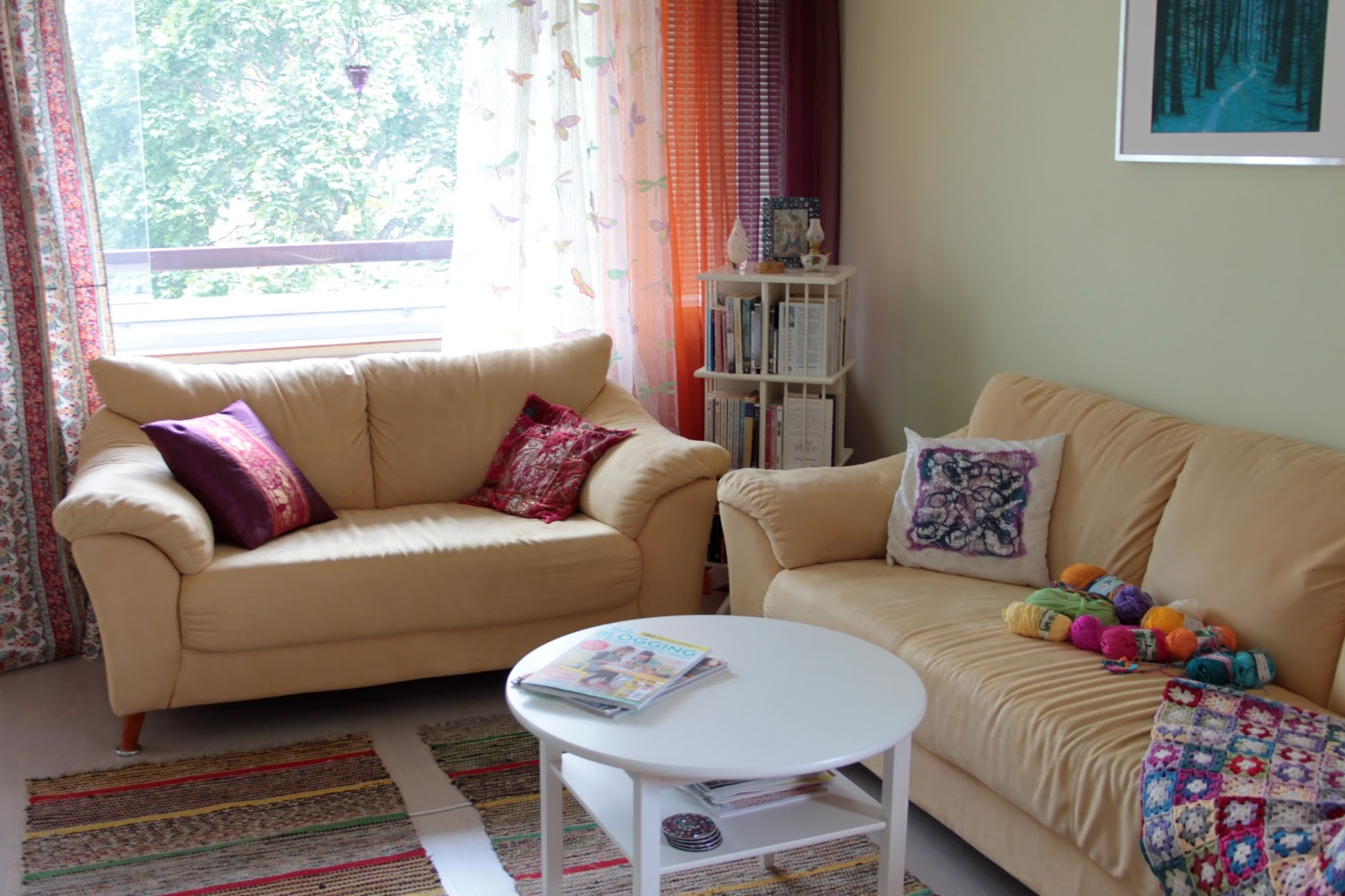 Värikäs olohuoneeni