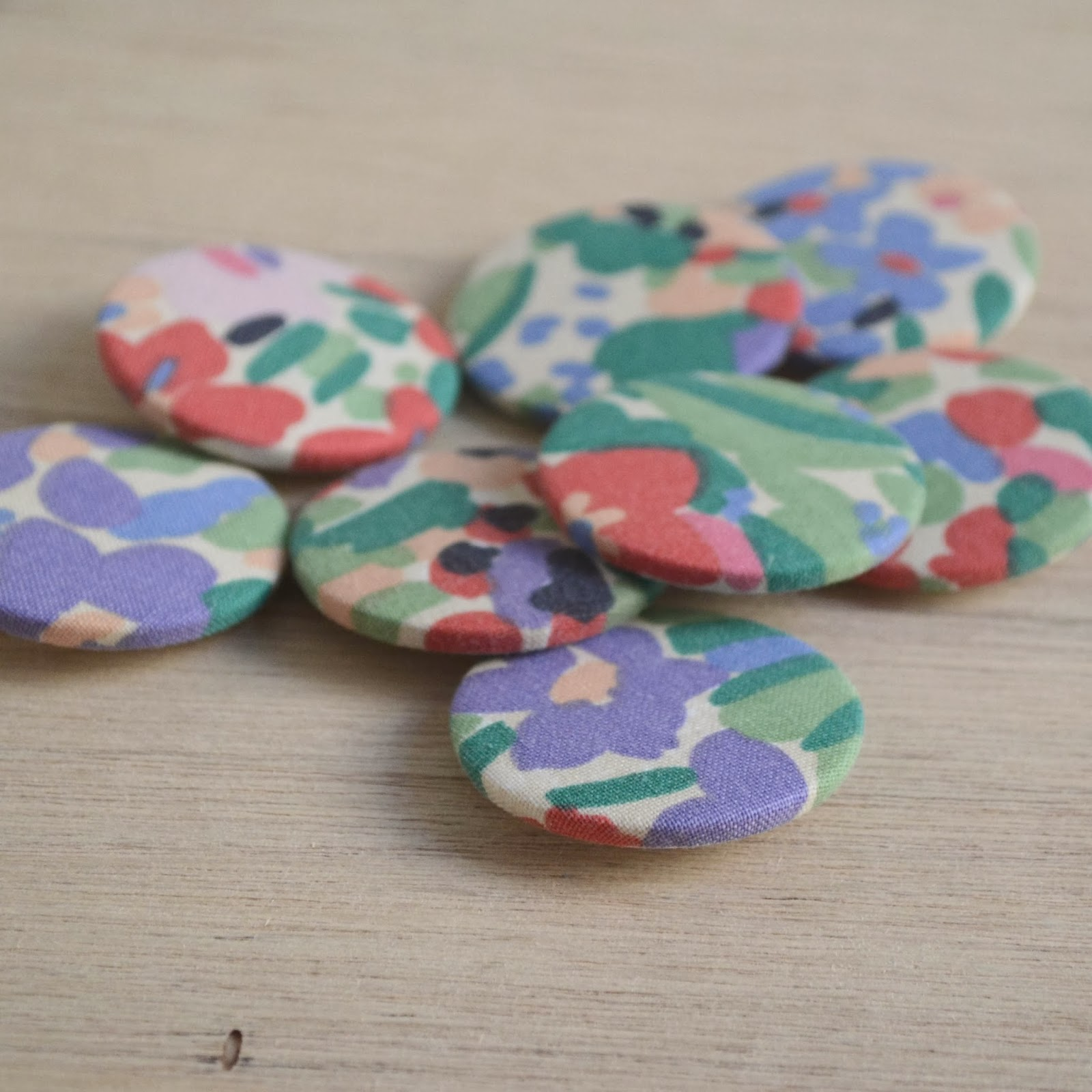 https://www.etsy.com/listing/175734245/pretty-vintage-floral-fabric-badges?ref=listing-shop-header-3