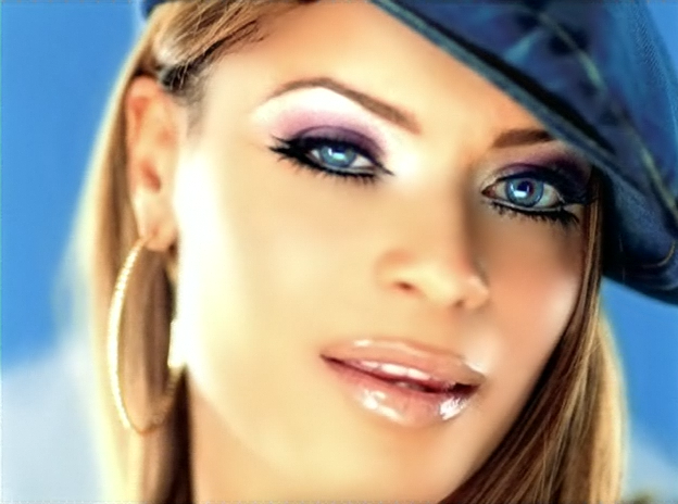 http://www.truyan.com/2014/09/blu-cantrell-taken-to-rehab-after-going.html