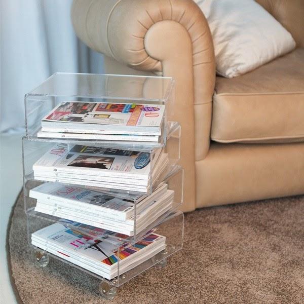 tavolino in plexiglass portariviste