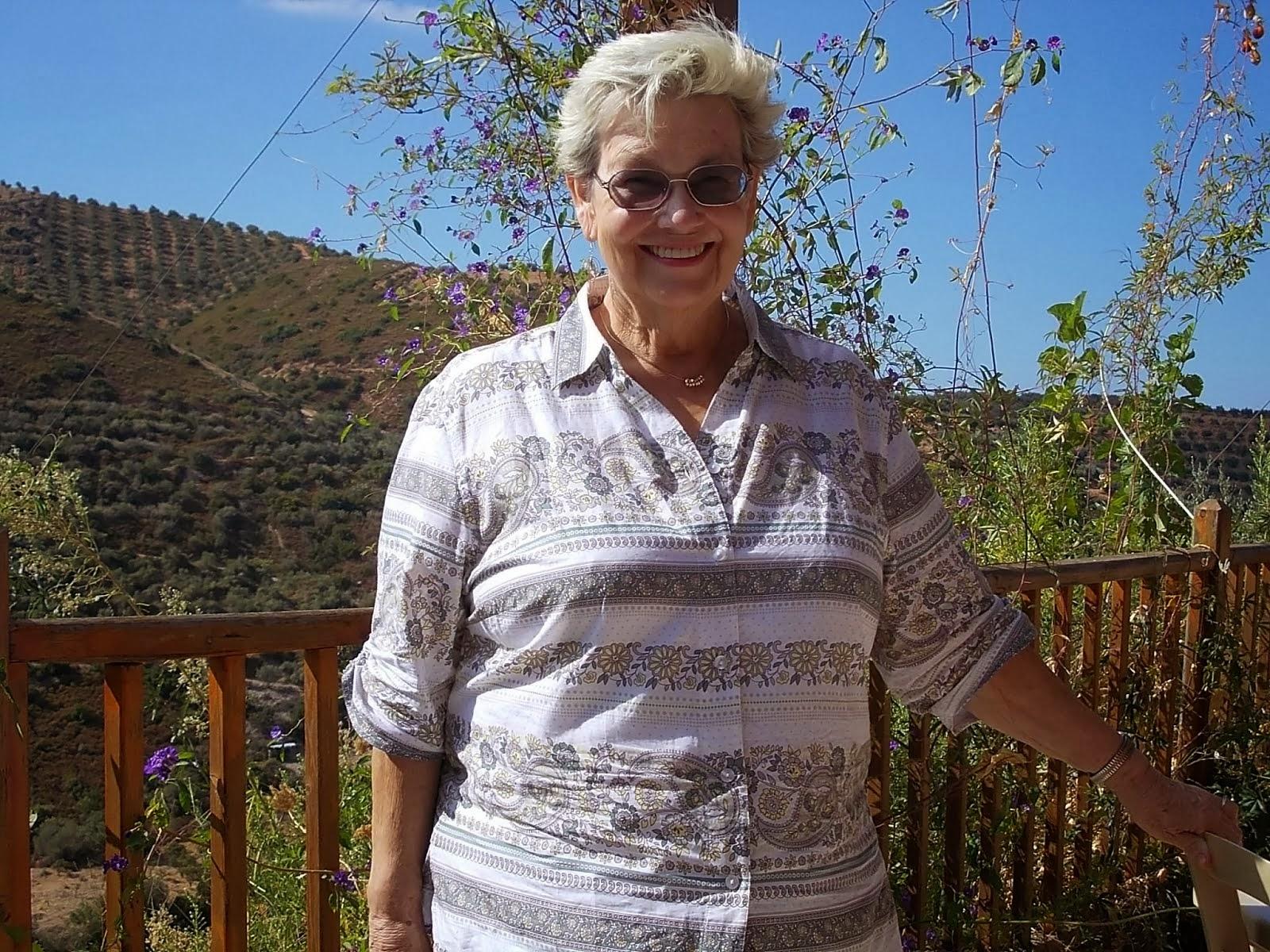 In memory of my mother, Linda Sue Klahr, 1941-2013