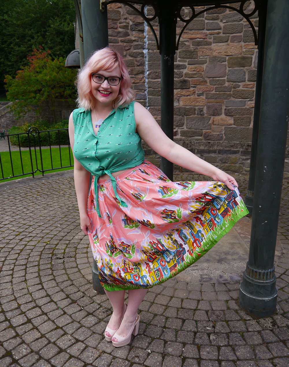 Nicely Eclectic, vintage clothing, Dundee photoshoot location, swing dress, BOB by DOP, H! Henry Holland, Sugar and Vice rain drop neckalce, modern styling with vintage, pink hair, candy floss hair DIY