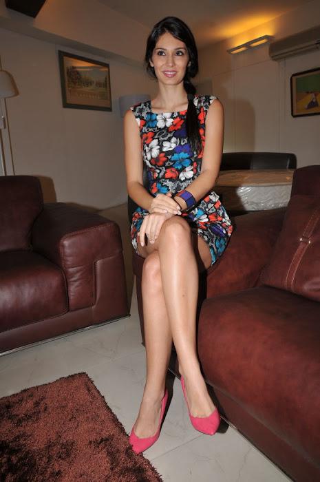 bruna abdullah actress pics
