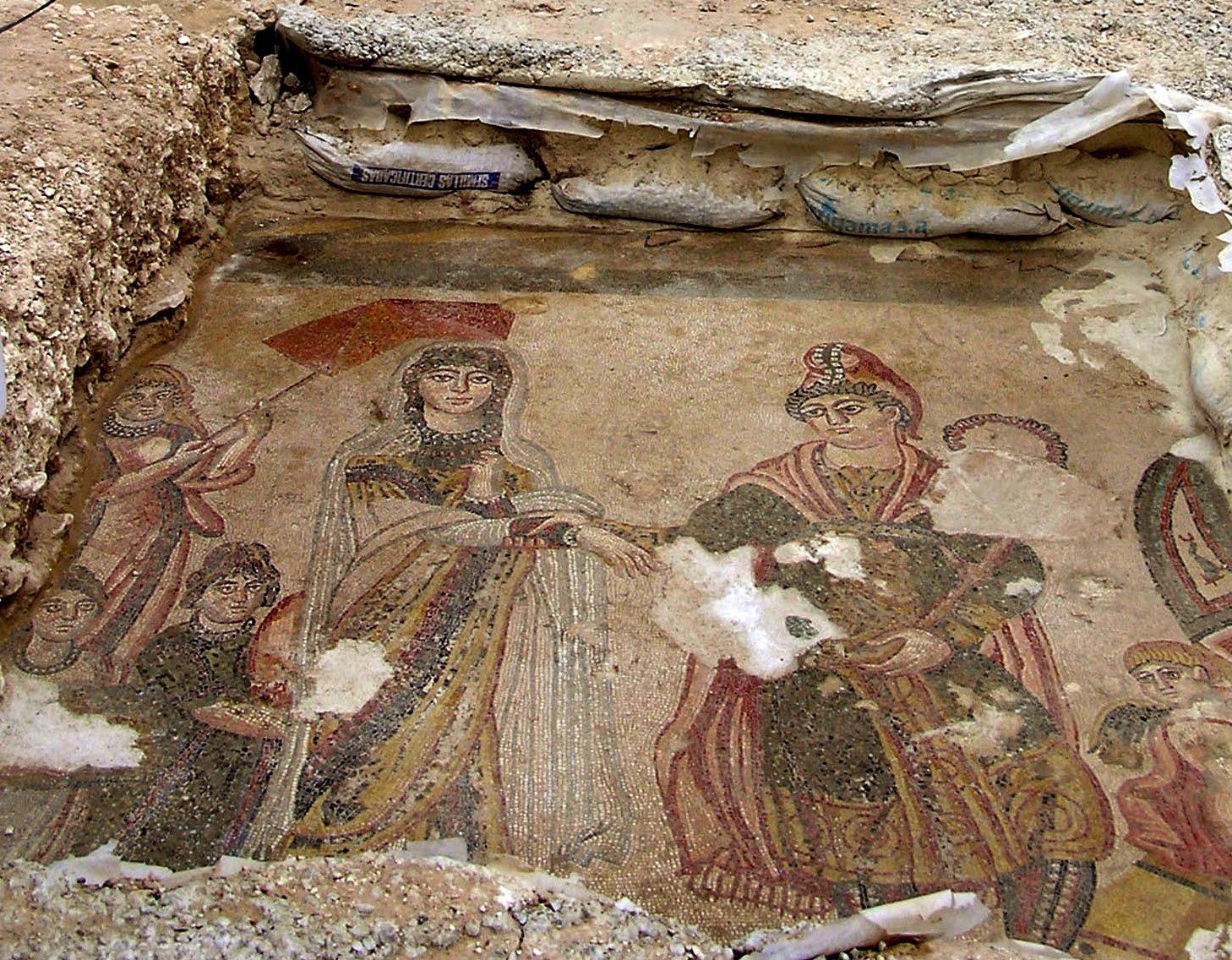 Archeomind la villa romana de noheda cuenca for El mural de mosaicos