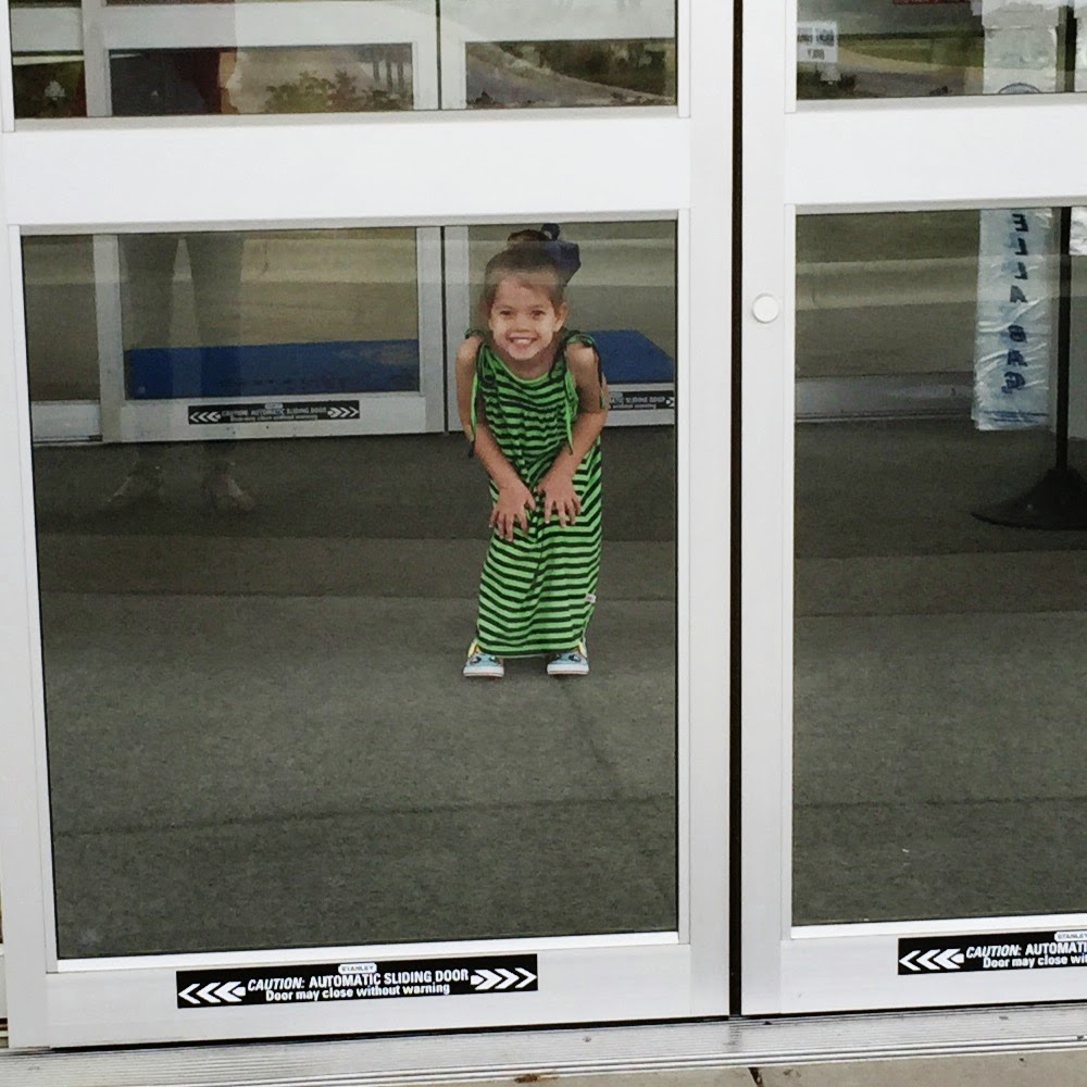 15 ways to entertain your toddler while waiting at the hospital