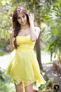 Actress Sanjana Latest  Picture Shoot Gallery   20