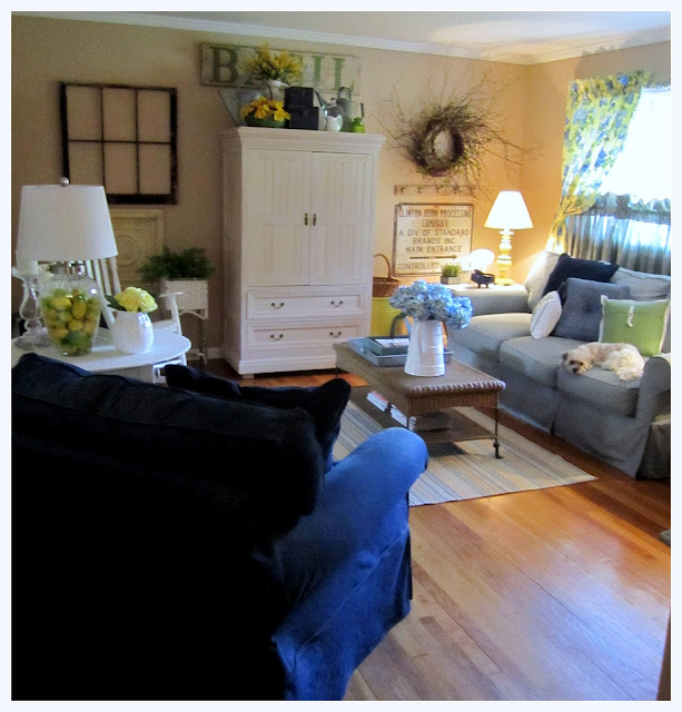 the corson cottage quaint country cottage living room update at my mom 39 s