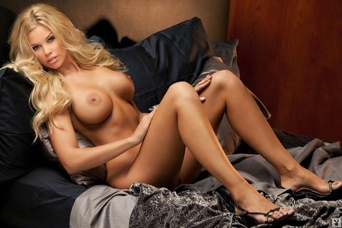 Hot Jessa Hinton nude boobs