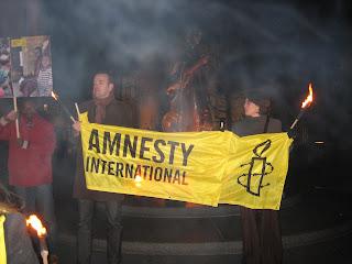 http://amnesty-luxembourg-photos.blogspot.com/2009/12/marche-aux-flambeaux.html
