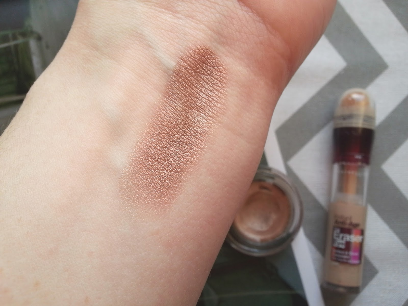 Maybelline On and On Bronze Swatch Review