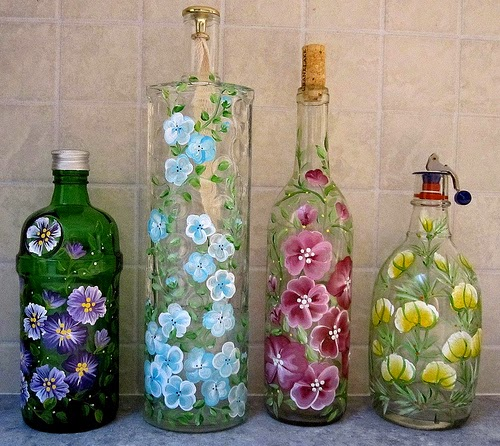 Recycle craft; decorative painted bottle ideas