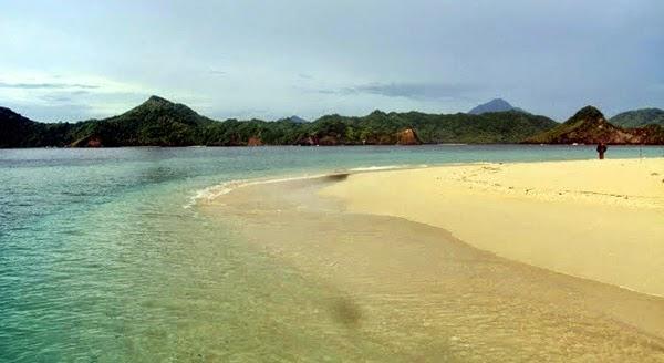 Pantai Kalihiang