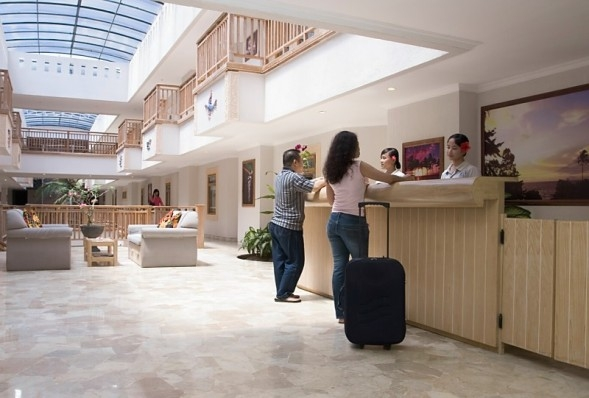 Lobby Hotel in Hawaii Anyer Resort & Spa
