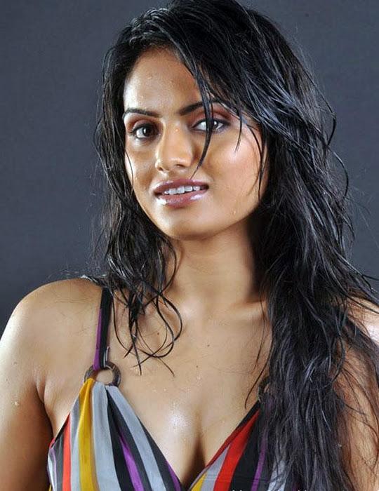 Ritu Kaur latest wet hot