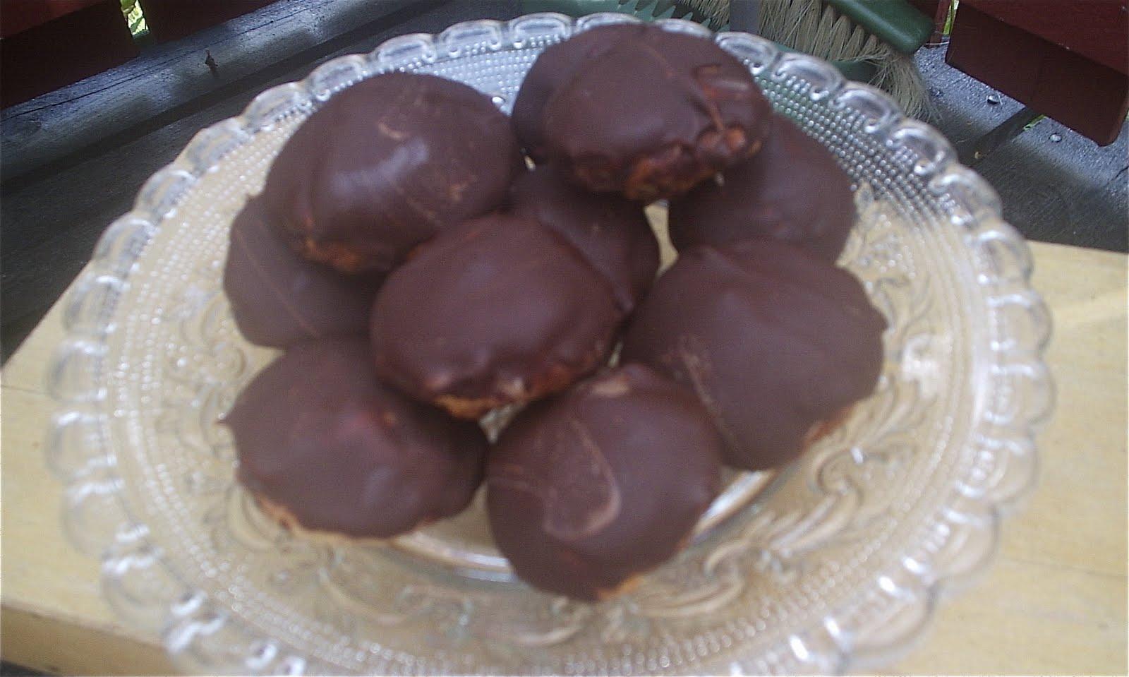 Matildas kafferep: chokladbiskvier   underbara små bakelser