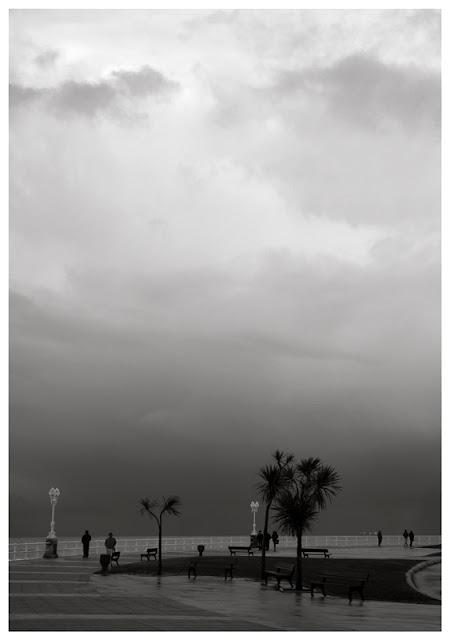 cielo enladrillazo en el paseo martítimo de Gijón. Foto Asturias, Pablo Basagoiti Brown
