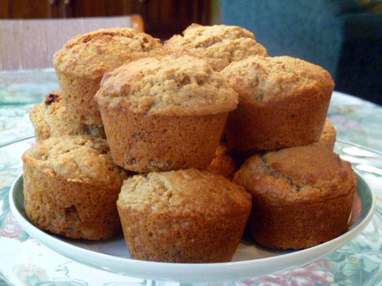 LEMON CHIFFON CAKE: Golden Raisin Oat Bran Muffins