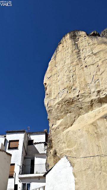 Roca desprendida en el año 2009 en Chiclana de Segura